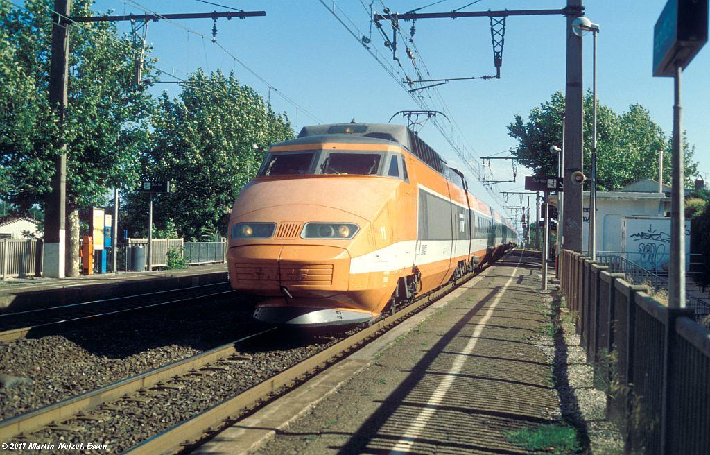 http://www.eisenbahnhobby.de/sncf/367-48_TGV23021_Frontignan_6-7-99_S.jpg
