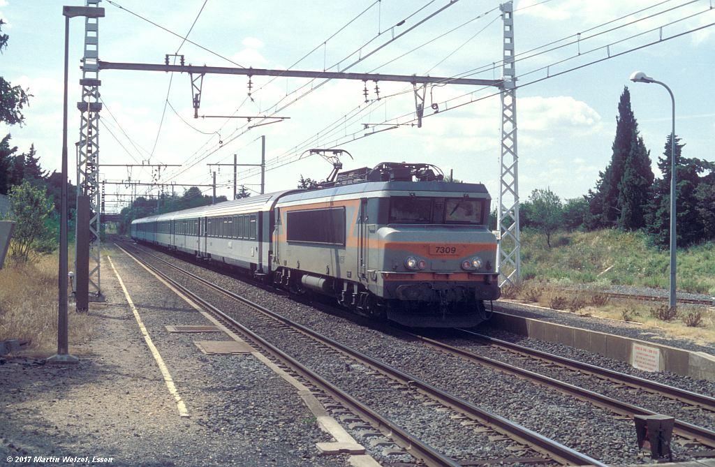 http://www.eisenbahnhobby.de/sncf/368-12_BB107309_Vias_8-7-99_S.jpg