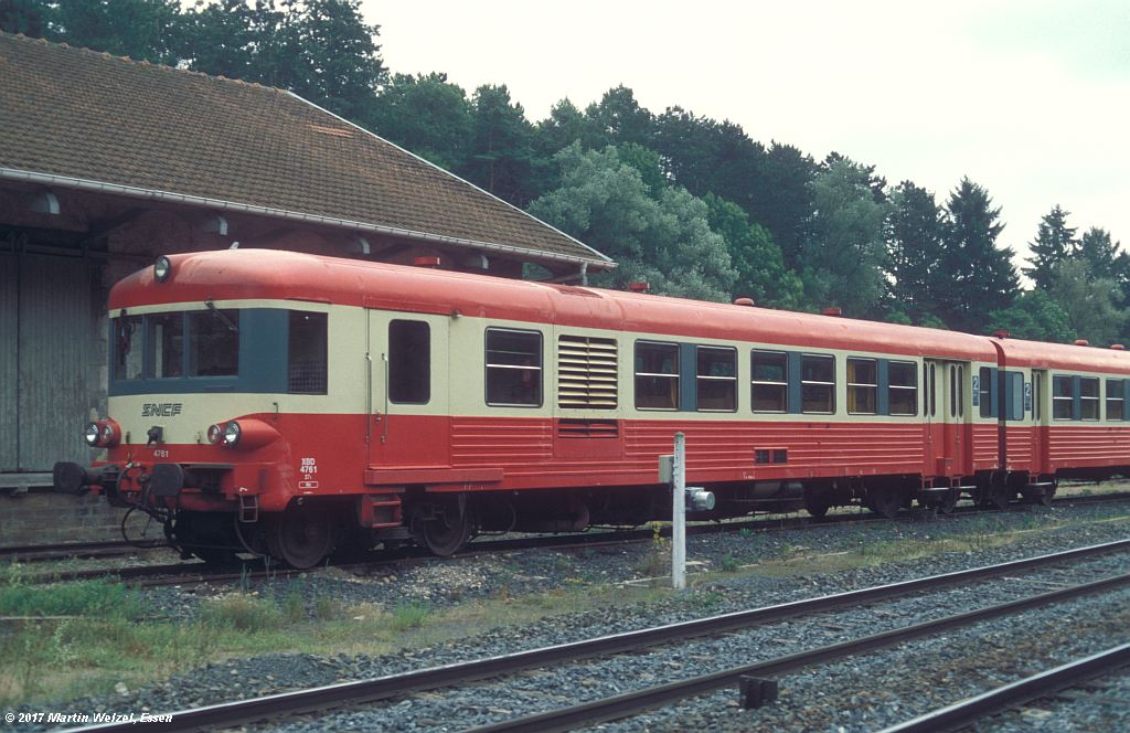 http://www.eisenbahnhobby.de/sncf/368-21_X4761_Contrexeville_10-7-99_S.jpg