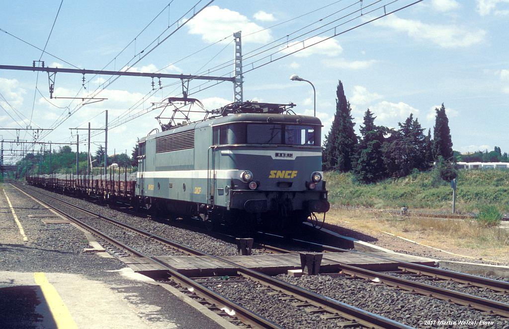 http://www.eisenbahnhobby.de/sncf/368-8_BB9221_Vias_8-7-99_S.jpg