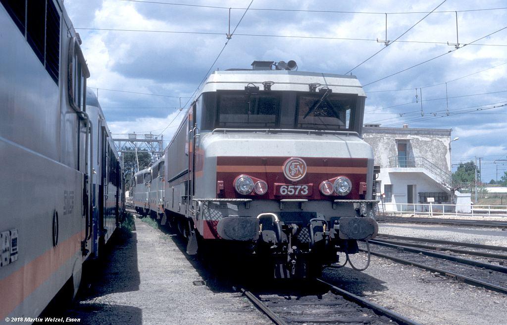 http://www.eisenbahnhobby.de/sncf/409-17_CC406573_Avignon_11-7-00_S.jpg