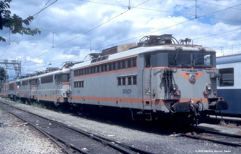 http://www.eisenbahnhobby.de/sncf/409-19_BB8565_Avignon_11-7-00_S.jpg