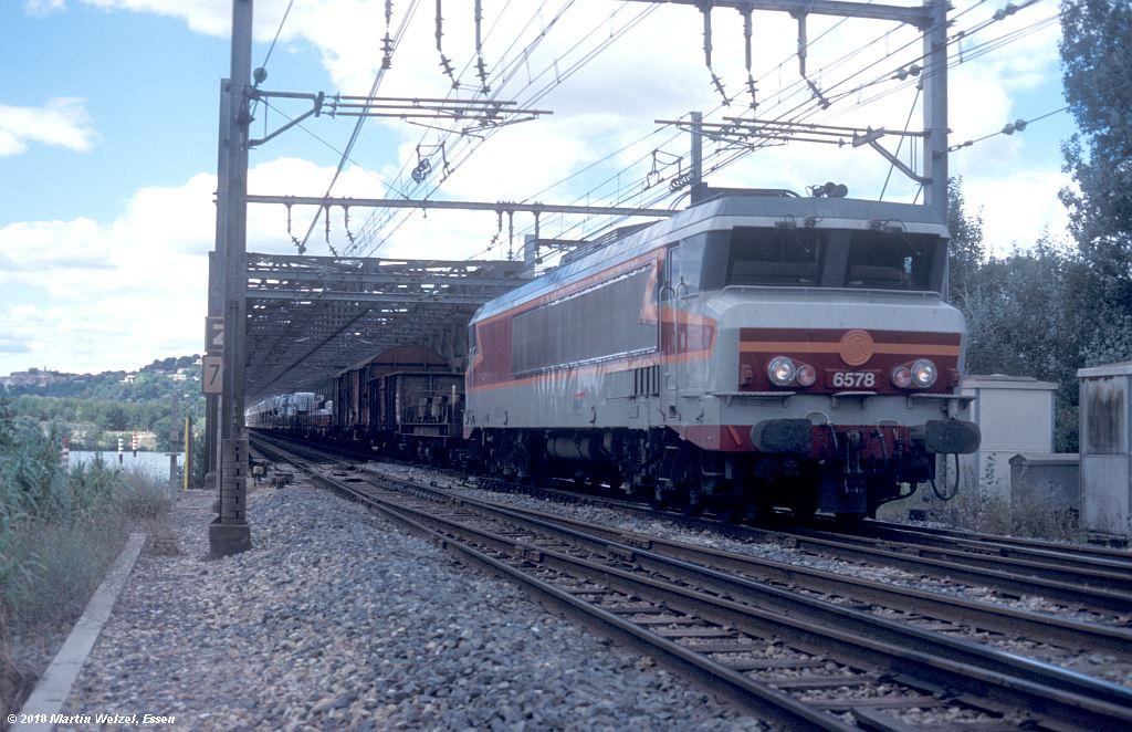 http://www.eisenbahnhobby.de/sncf/409-46_CC406578_Avignon-Rhonebruecke_11-7-00_S.jpg