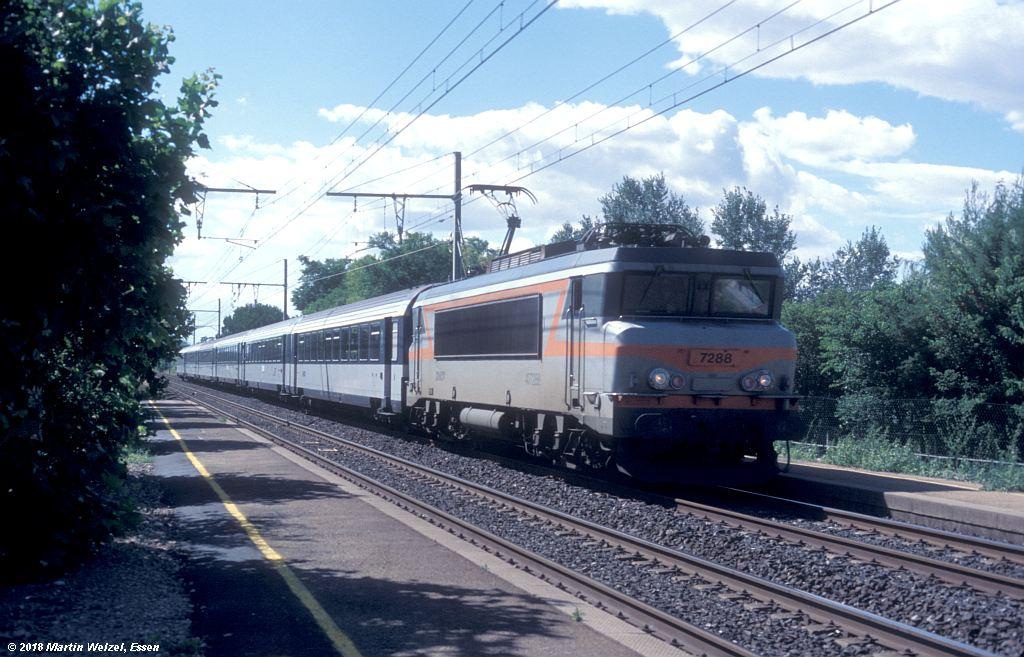 http://www.eisenbahnhobby.de/sncf/409-47_BB407288_Manduel-Redessan_11-7-00_S.jpg