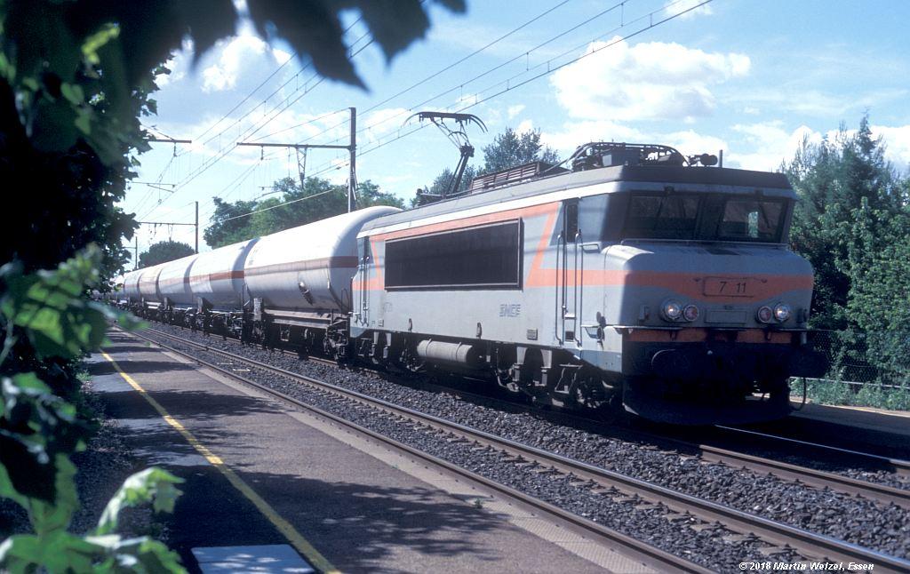 http://www.eisenbahnhobby.de/sncf/409-49_BB407211_Manduel-Redessan_11-7-00_S.jpg