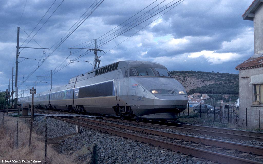 http://www.eisenbahnhobby.de/sncf/410-10_TGV380040_Sete_11-7-00_S.jpg