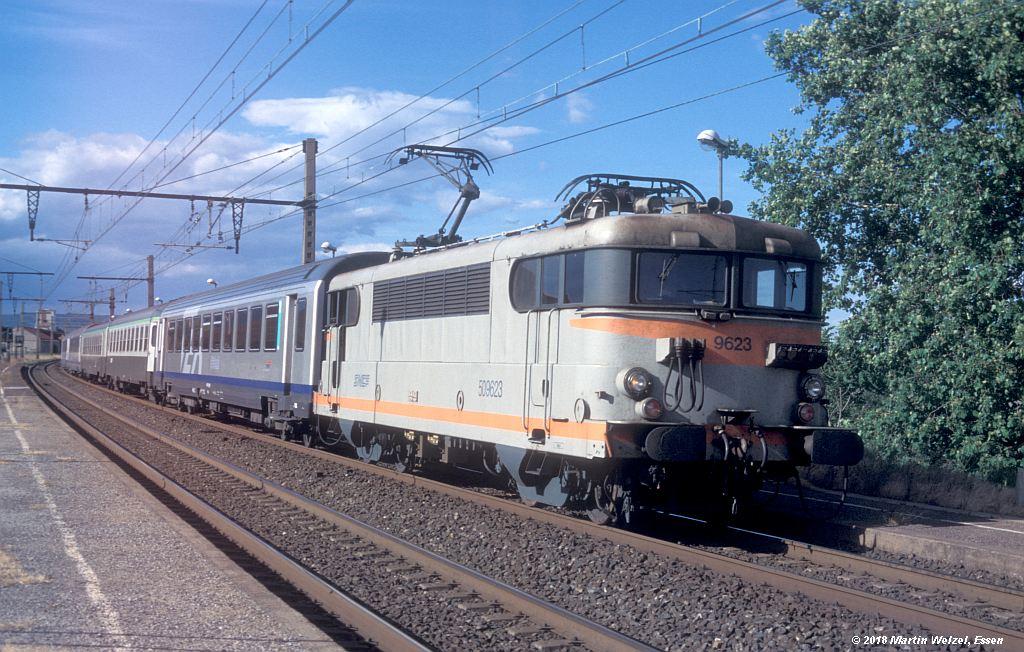 http://www.eisenbahnhobby.de/sncf/410-6_BB509623_Frontignan_11-7-00_S.jpg