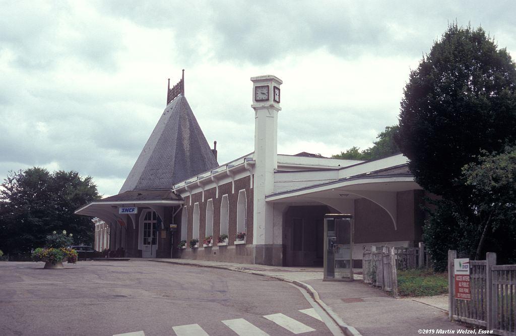 http://www.eisenbahnhobby.de/sncf/854-49_EG_Contrexeville_2008-08-02_S.jpg