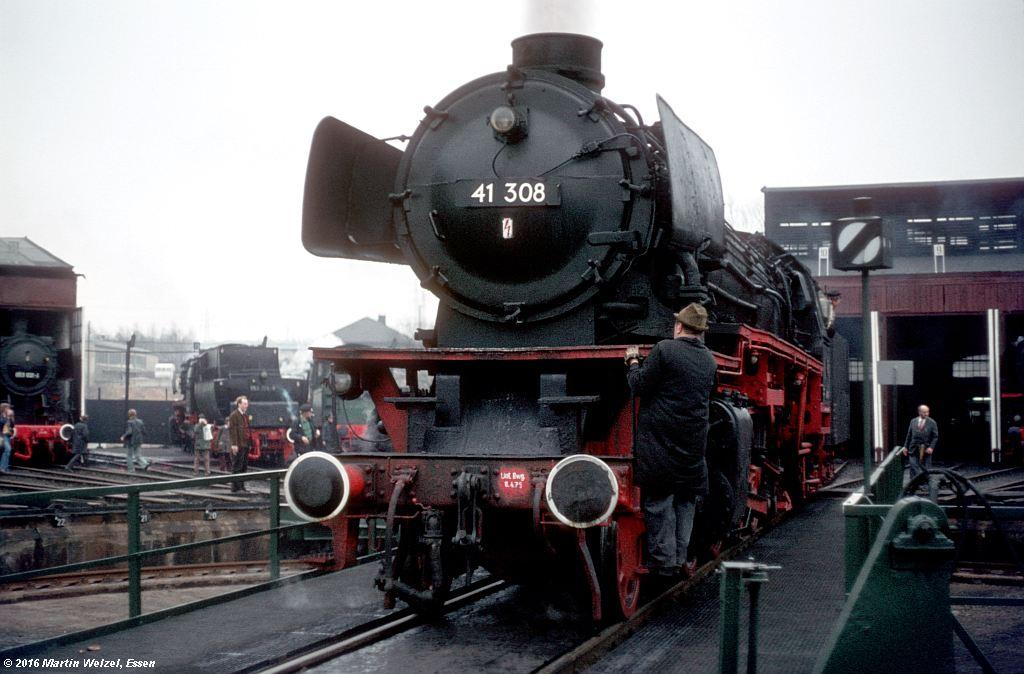 http://www.eisenbahnhobby.de/stolberg/31-40_41308_Stolberg_2-4-76_S.jpg