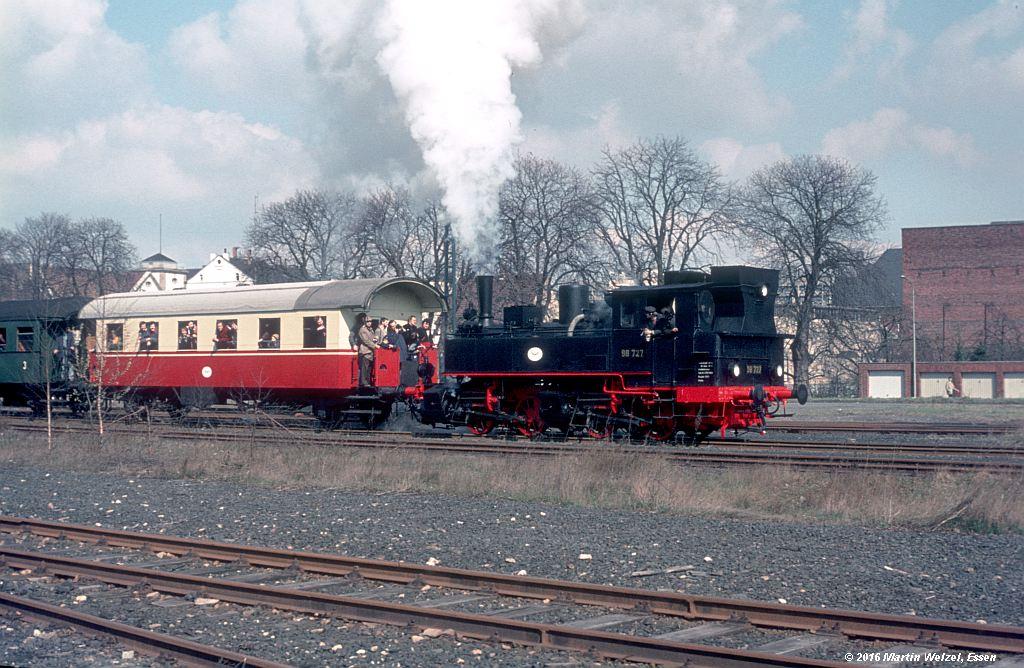 http://www.eisenbahnhobby.de/stolberg/32-35_98727_Eschw-Tal_3-4-76_S.jpg