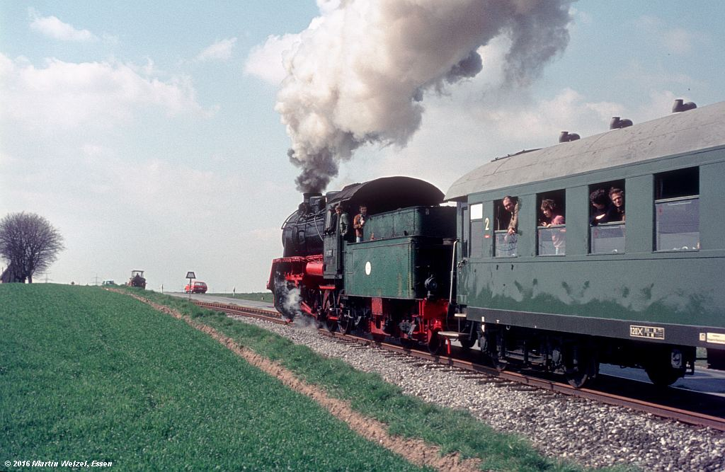 http://www.eisenbahnhobby.de/stolberg/32-48_563007_Juelich-Barmen_3-4-76_S.jpg
