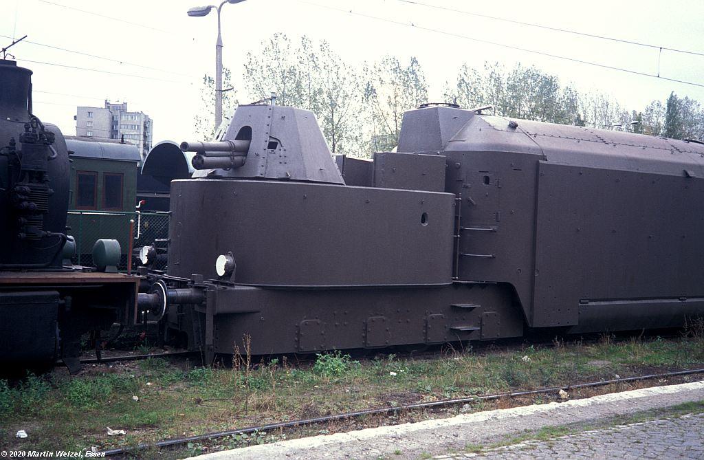 https://www.eisenbahnhobby.de/warschau/264-21_Panzerzug_WS-Glowna_17.10.91_S.jpg